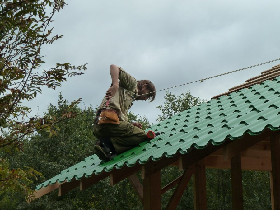 house-roof-ropes.jpg